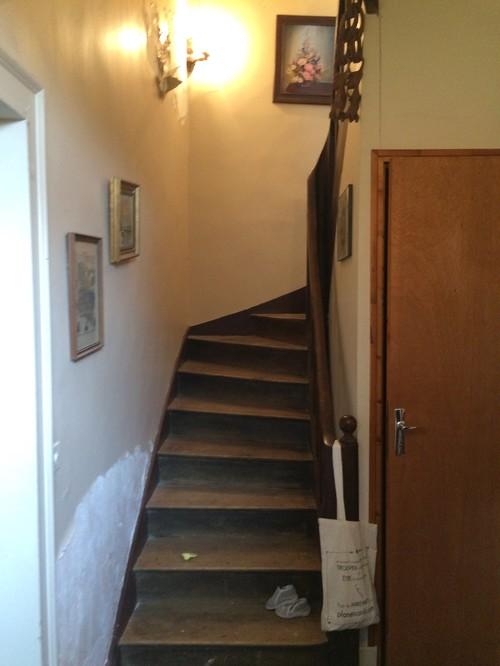 quel luminaire dans vieil escalier. Black Bedroom Furniture Sets. Home Design Ideas