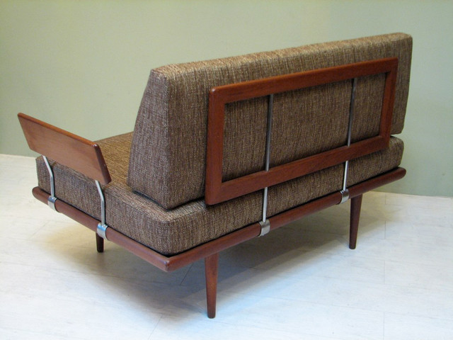 Mid century modern furniture and decor modern sofas for Mid century modern sofas