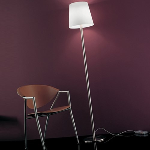 naxos 50 floor lamp modern floor lamps by olighting. Black Bedroom Furniture Sets. Home Design Ideas