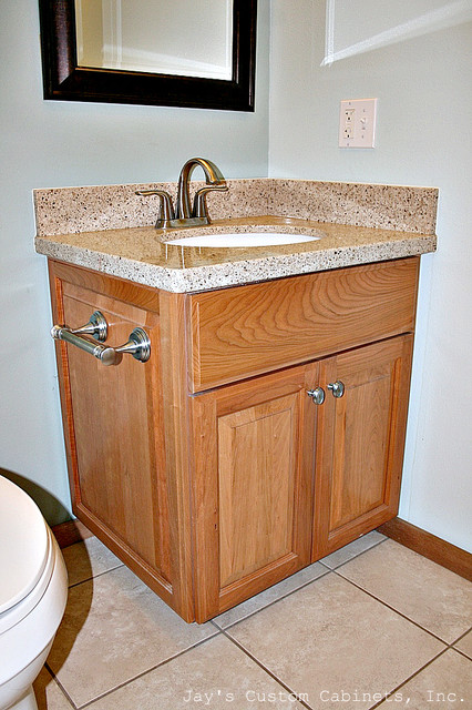 Keaau traditional cabinetry for Case in stile williamsburg