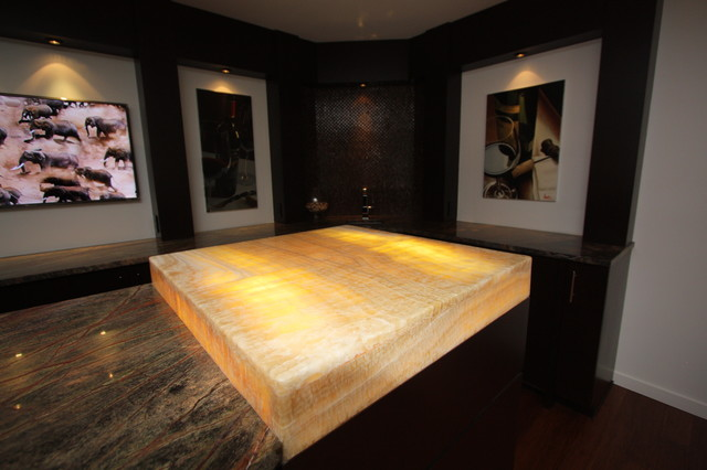 Lit Onyx Bar Top - Modern - Basement - cleveland - by Architectural Justice