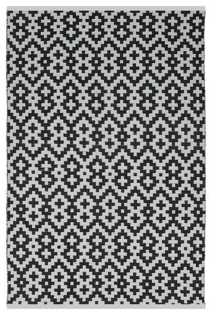 Samsara Indoor Outdoor Rug Black and White 5 x8