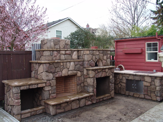 Outdoor Fireplace with Pizza Oven Traditional Portland  : traditional from www.houzz.com size 640 x 480 jpeg 123kB
