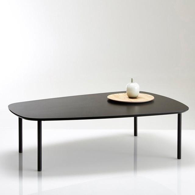 table basse forme arrondie plaqu e noyer ou noir contemporain table basse par la redoute. Black Bedroom Furniture Sets. Home Design Ideas