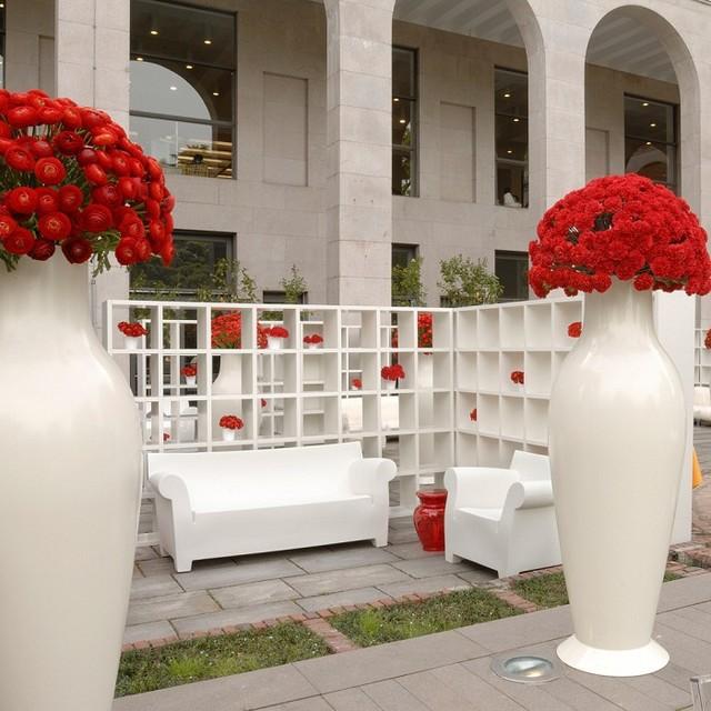 Misses flower power vase by kartell modern vases for Decoration kartell