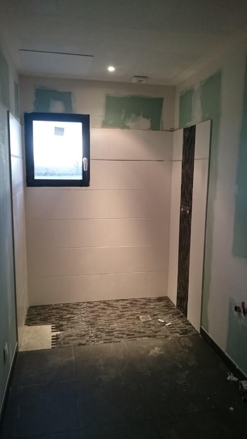 Couleurs murs salle de bain for Quelle couleur mettre dans une salle de bain