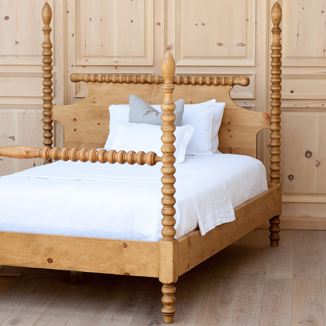 Spindle Bed Traditional Beds Charlotte By Coach Barn