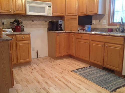 Maple floor pine trim oak cabinets for Floors to go with oak cabinets