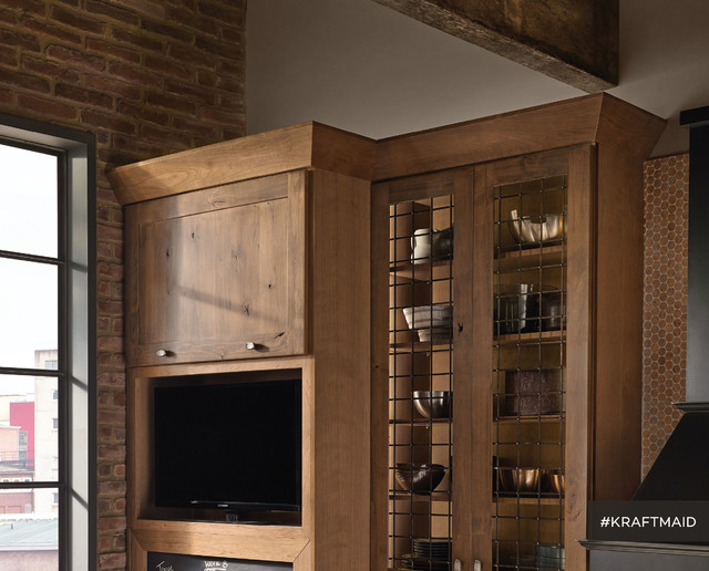 Pantry cabinet closetmaid pantry cabinet alder with for Kraftmaid doors