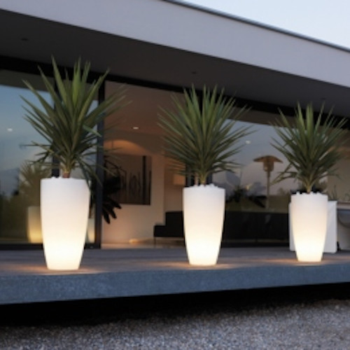 Pure soft high light eclectic outdoor lighting by for Illumination exterieur maison