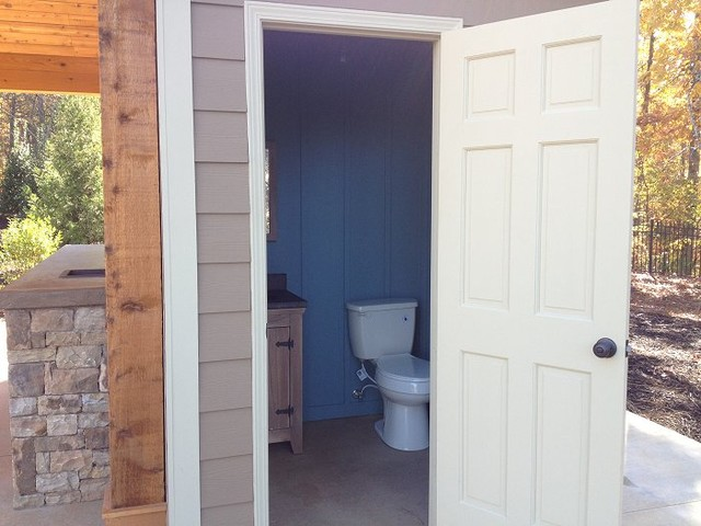 Cabana projects outdoor living spac traditional for Outdoor bathroom for pool