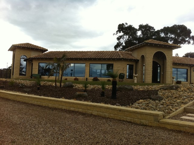 Country home australia mediterranean other metro for Mediterranean country house