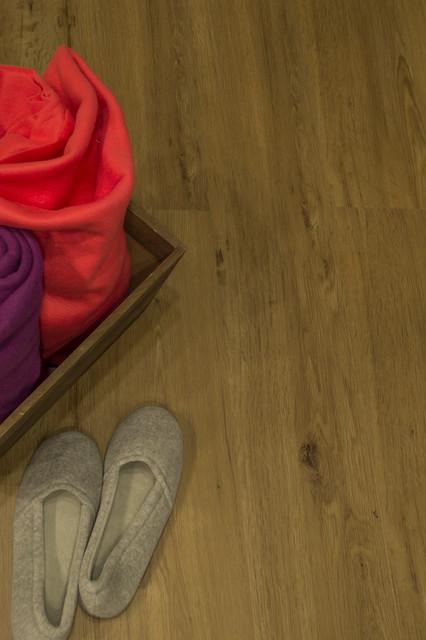 Tandem wide engineered vinyl click flooring traditional for Tandem flooring