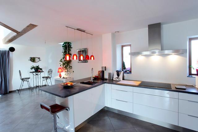 Ancienne grange r nov e contemporain cuisine other for Cuisine ancienne renovee