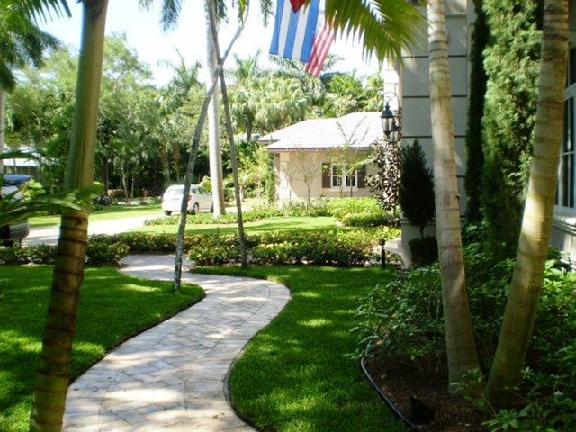 Miami landscaping design eclectic other by a diaz for Landscape design miami