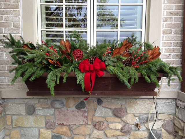 Winter window box display traditional outdoor holiday Traditional outdoor christmas decorations