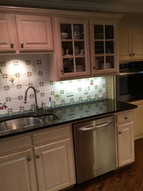 backsplash and cabinet colors to go with ubatuba granite
