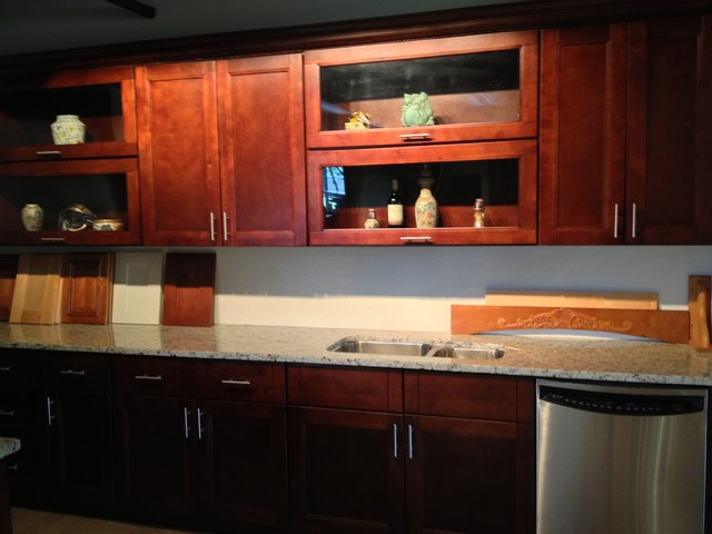 Harlan shaker horizontal glass door cabinets for Advantage kitchen cabinets