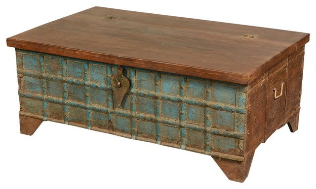 blue captain 39 s stash old wood coffee table chest. Black Bedroom Furniture Sets. Home Design Ideas