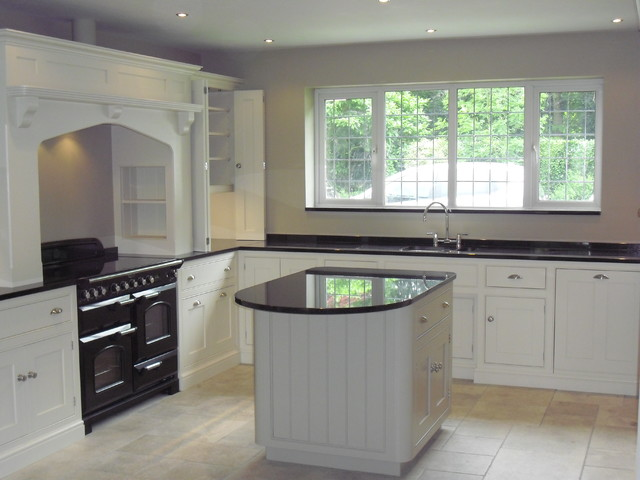 Black pearl graniteisland worktops traditional for Kitchen island with rounded end