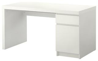 malm bauhaus look schreibtische aufs tze von ikea. Black Bedroom Furniture Sets. Home Design Ideas