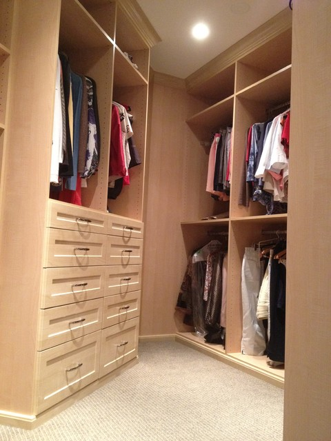 odd shaped closet design 2