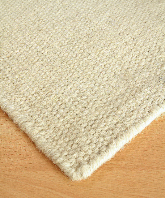 white flour wool berber solid rug 3 39 x 5 39 transitional
