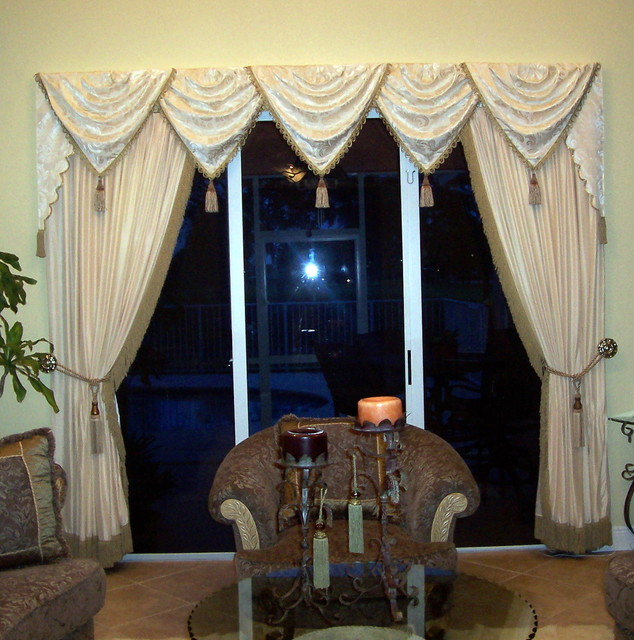 Traditional Window Treatments Living Room: Traditional Window Treatment