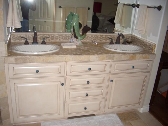 Mediterranean Bathroom Sinks: Vanity