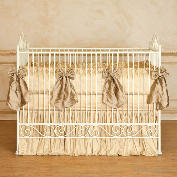Casablanca Iron Crib In Antique White By Bratt Decor Traditional Cribs New York By Jack