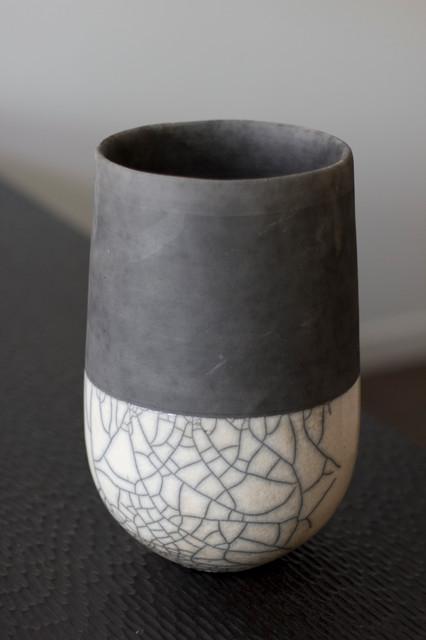 minsk raku vase contemporain vase vancouver par zwada home. Black Bedroom Furniture Sets. Home Design Ideas
