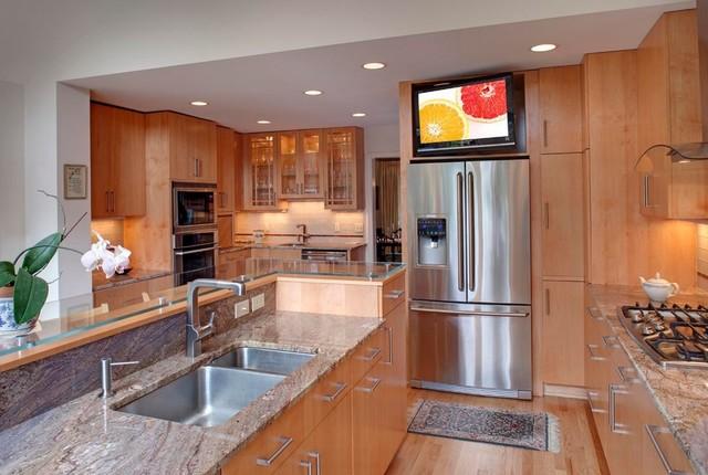 Kitchen tvs for Television in kitchen ideas