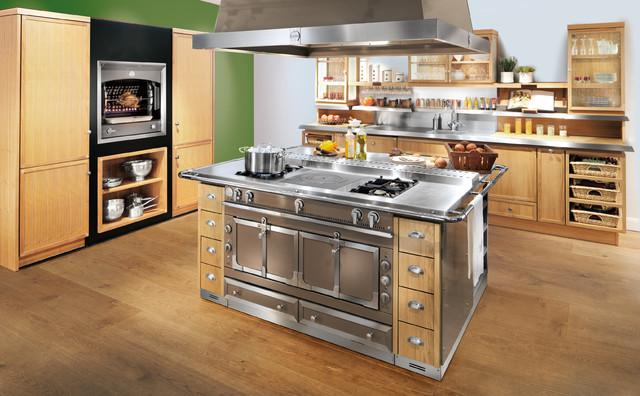 La cornue culinary architecture traditional gas ranges for Piano de cuisine la cornue