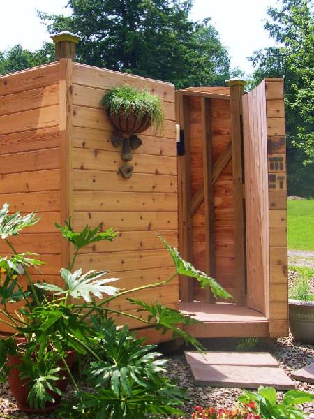 Outdoor shower cl sico suministros para piscinas y for Suministros para piscinas