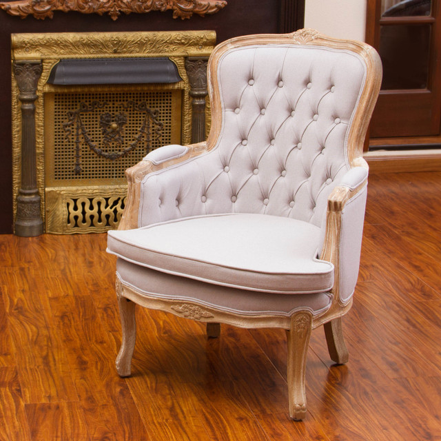 Traditional Living Room Chairs: Traditional Living Room W/ Beige Accent Chair