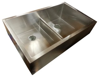 Traditional Kitchen Sinks : ... Apron Sink with patented seamless drain - Traditional - Kitchen Sinks