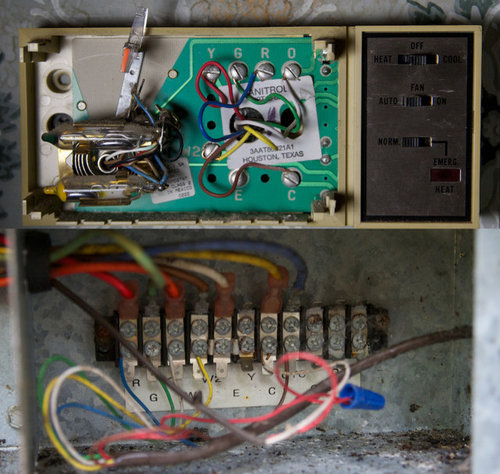 Replacing Janitro HPT 18-60 Thermostat with Lux 9600TS - help! on