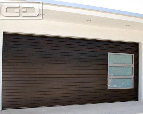 Dynamic Garage Door - A Custom Designed Modern Garage Door With Frosted Glass Panes u0026 Horizontal & Modern Garage Doors in Los Angeles CA   Custom Designed ... pezcame.com