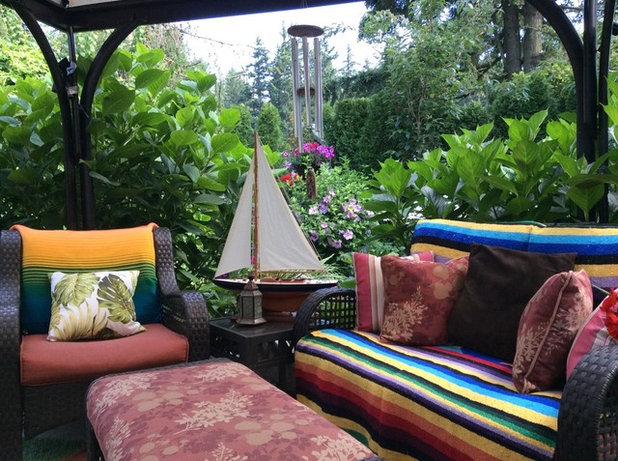 Cool Houzzer lives in southwestern Canada where the gardens benefit from a mild climate and abundant rainfall This seating area one of the many in