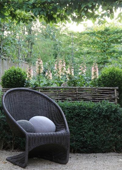 Классический Дворик by Hendy Curzon Gardens Ltd