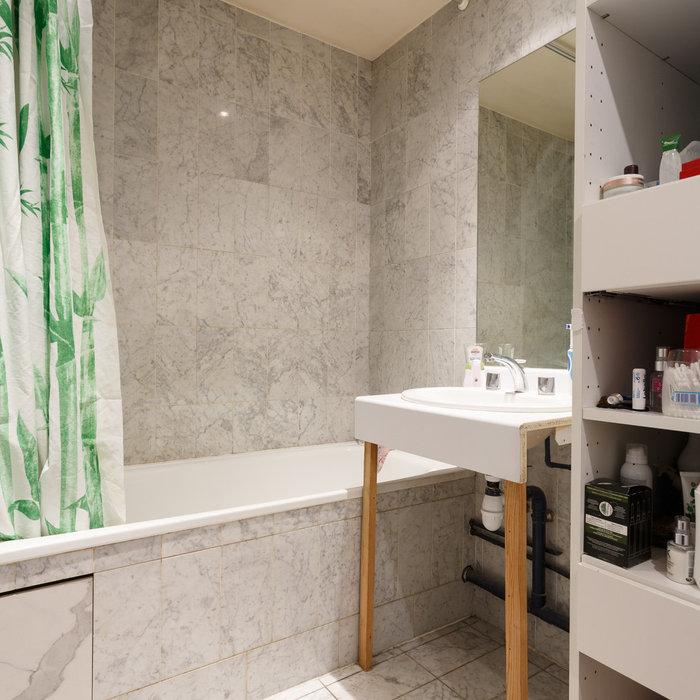 AVANT/Apres : Remplacez votre baignoire par un receveur XXL