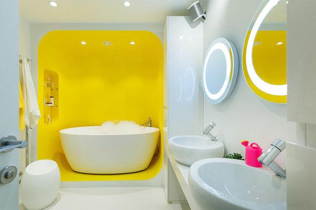 Современный Ванная комната by Студия Антона Базалийского