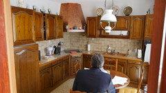 Aidez-moi à moderniser cette cuisine rustique !