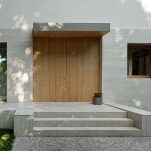 Свежая идея для дизайна: фойе среднего размера в стиле ретро с бежевыми стенами, мраморным полом, двустворчатой входной дверью, входной дверью из светлого дерева, бежевым полом и деревянным потолком - отличное фото интерьера