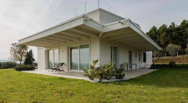 Moderno  by ProTek Casa in legno chiavi in mano