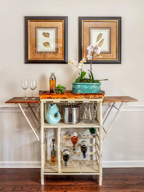 bar de salon bord de mer avec un chariot mini bar photos. Black Bedroom Furniture Sets. Home Design Ideas
