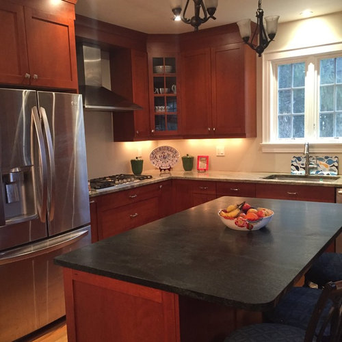 Kitchen Backsplash Cherry Cabinets: Backsplash Ideas For Cherry Cabinets/kashmir White Granite?