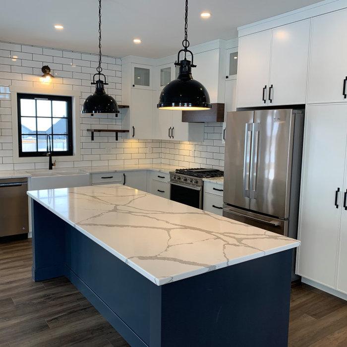 Beautiful two-tone kitchen