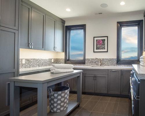 hauswirtschaftsraum mit arbeitsplatte aus terrazzo ideen f r waschk che haushaltsraum. Black Bedroom Furniture Sets. Home Design Ideas