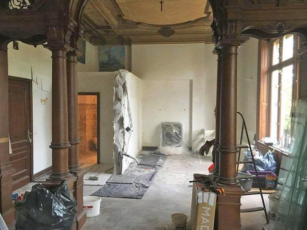 Minimalistisch  by REFUGIUM - Interior Design